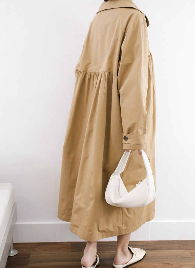 O0692洛莉抓褶雙排釦風衣