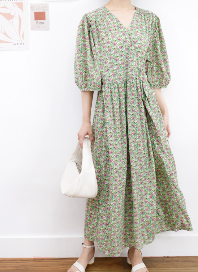 D1418薇瑪綁結印花洋裝