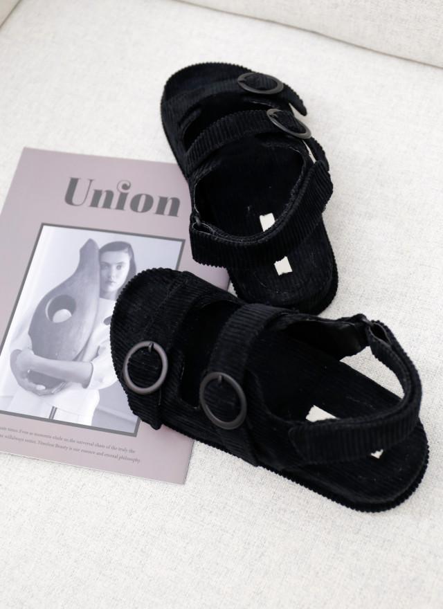 SH0262蘇芬圓孔寬帶涼鞋