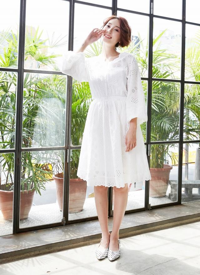 D0612 好感花領立體繡線洋裝