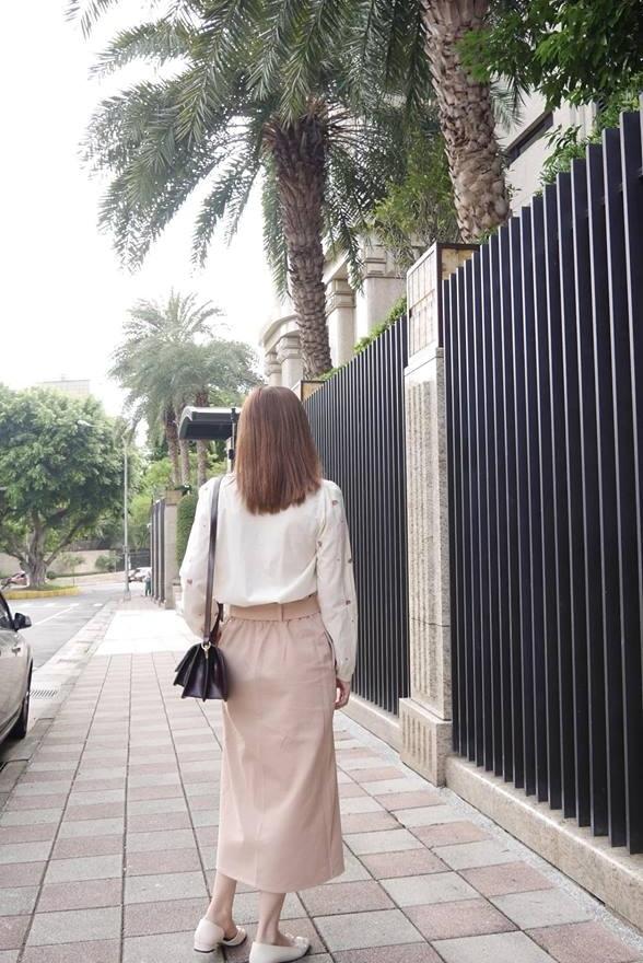 唯美刺繡花領襯衫