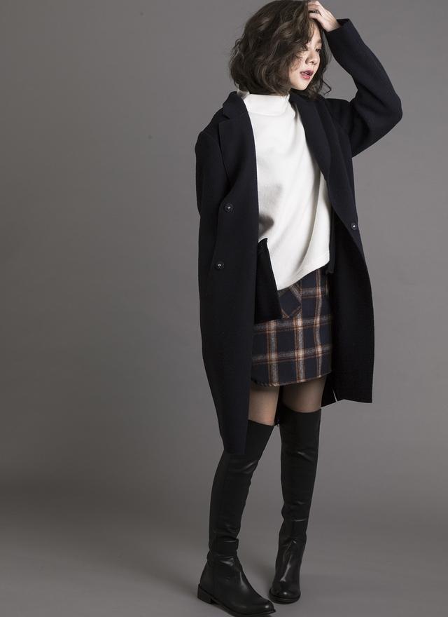 O0127 俐落小領開衩羊毛外套 (深藍)