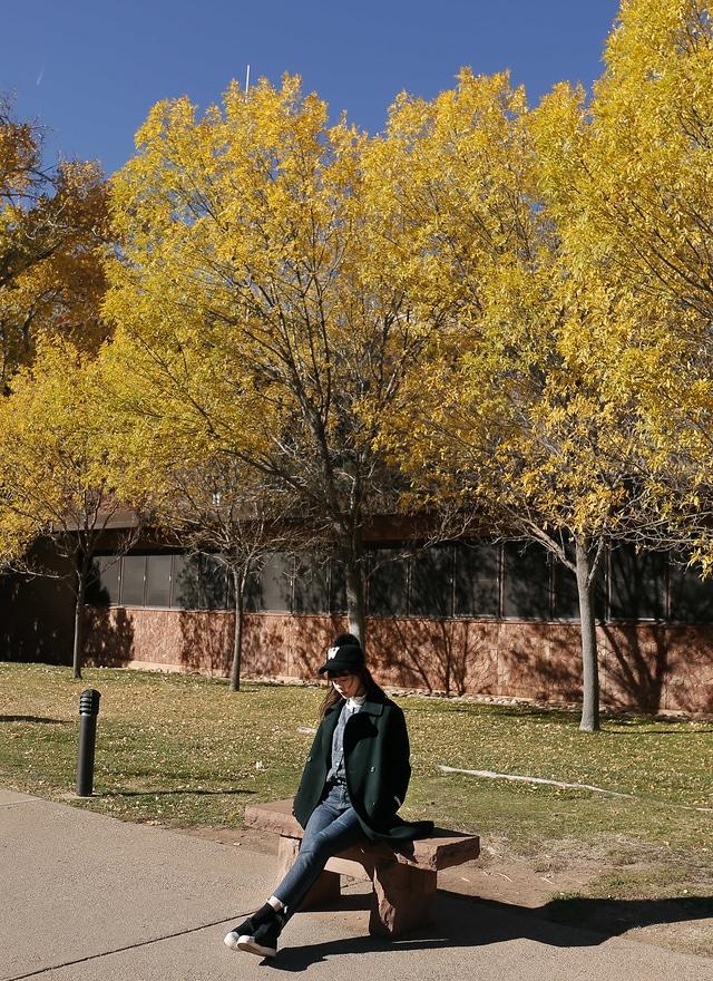 O0186 墨綠高質感美型手工大衣