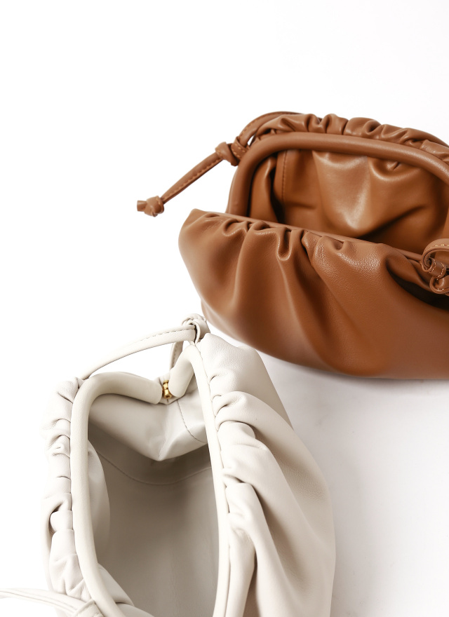 BA0158時尚牛皮造型小包