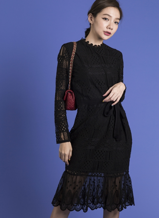 D0269 細緻蕾絲方格魚尾洋裝 (黑)