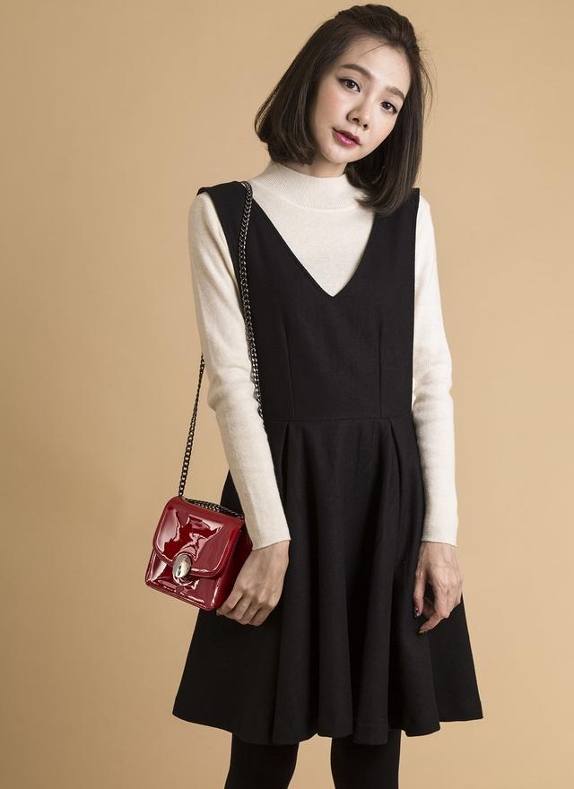 D0282 V字蓬裙羊毛洋裝