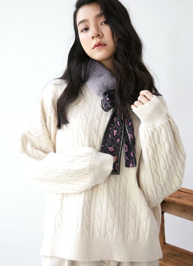 A0260毛絨絨絲帶點綴圍巾