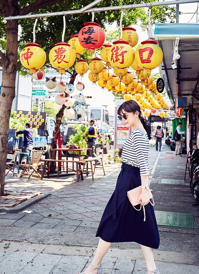 S0420 剪裁純色銀釦圓裙