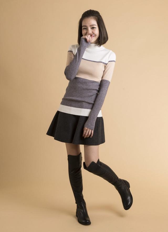 T0377 橫紋色塊針織上衣
