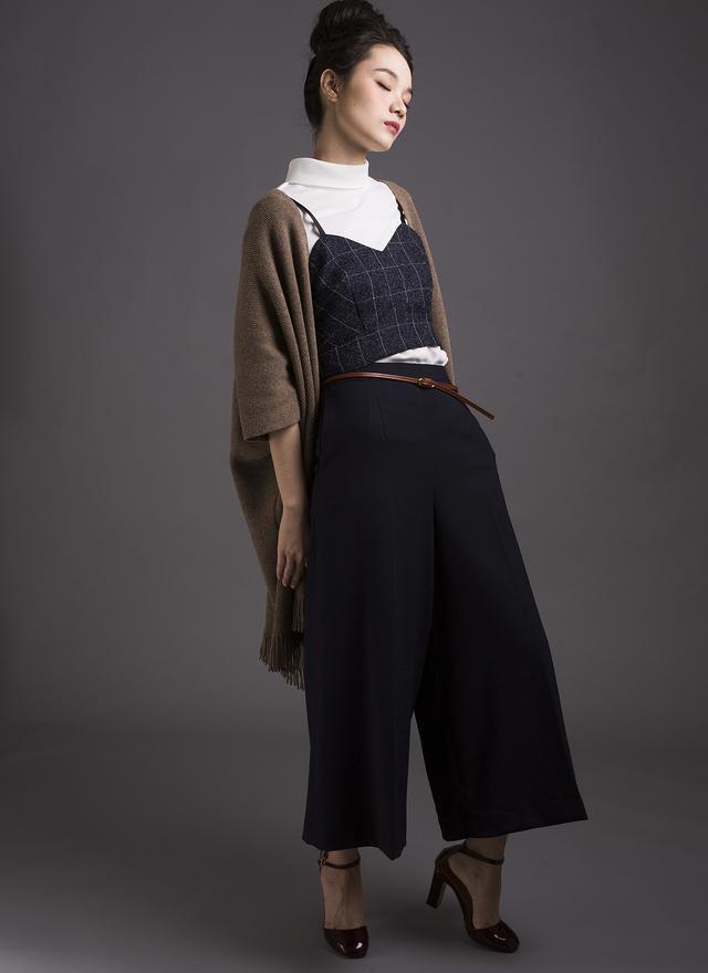 P0116 風尚質感寬片裙褲