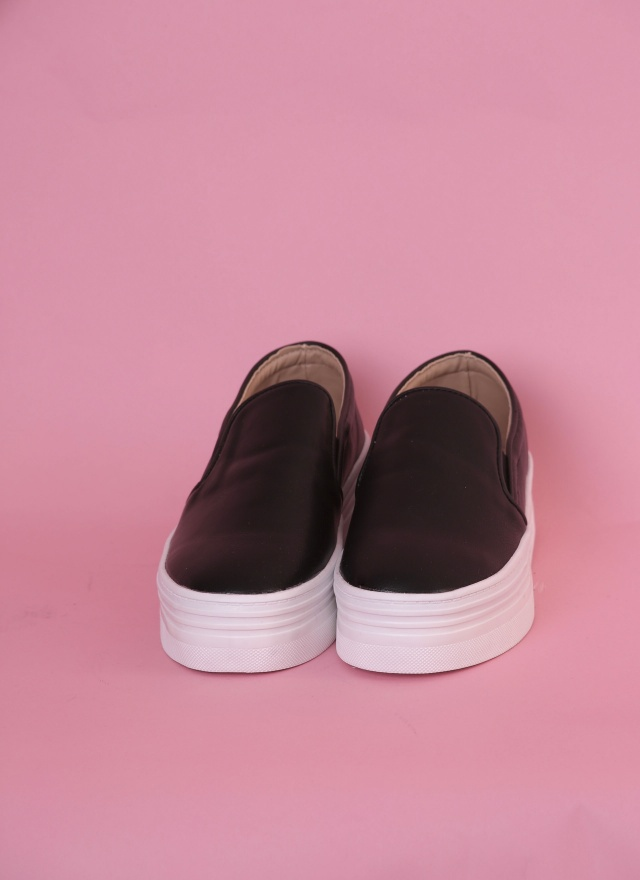 SH0065 百搭厚底鞋(黑白兩色)