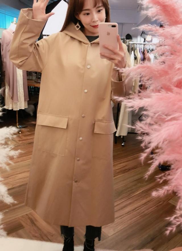 SP大女子連帽風衣外套
