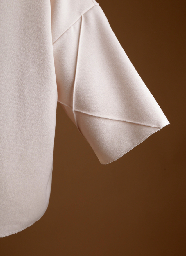 T0338 菱格寬袖造型上衣