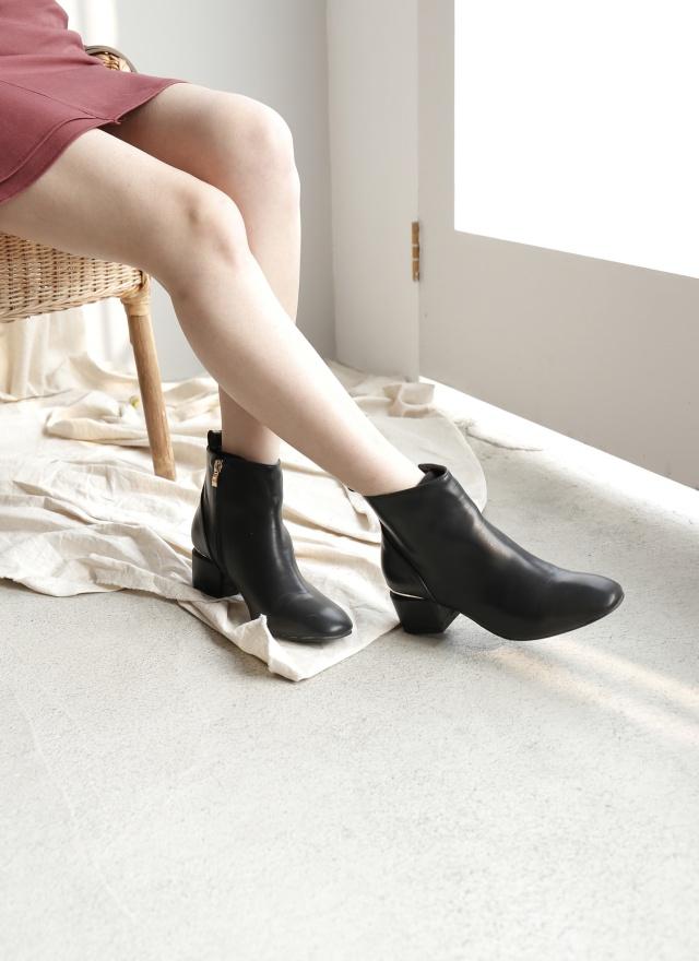 SH0166 百搭金屬修邊短靴