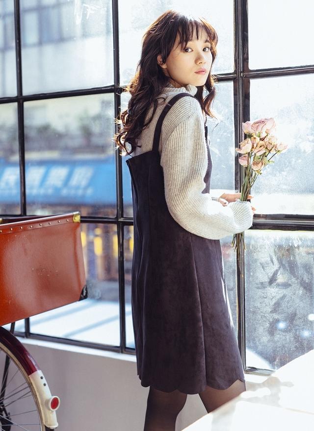 D0393 浪漫花邊蜜桃絨洋裝