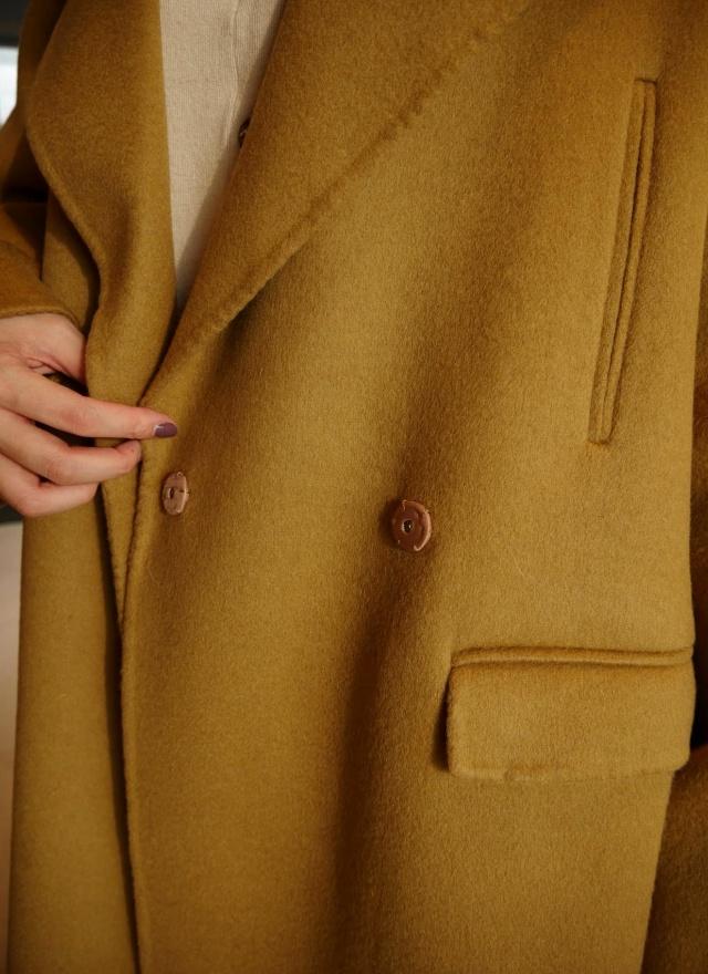 質感立挺大翻領羊毛大衣