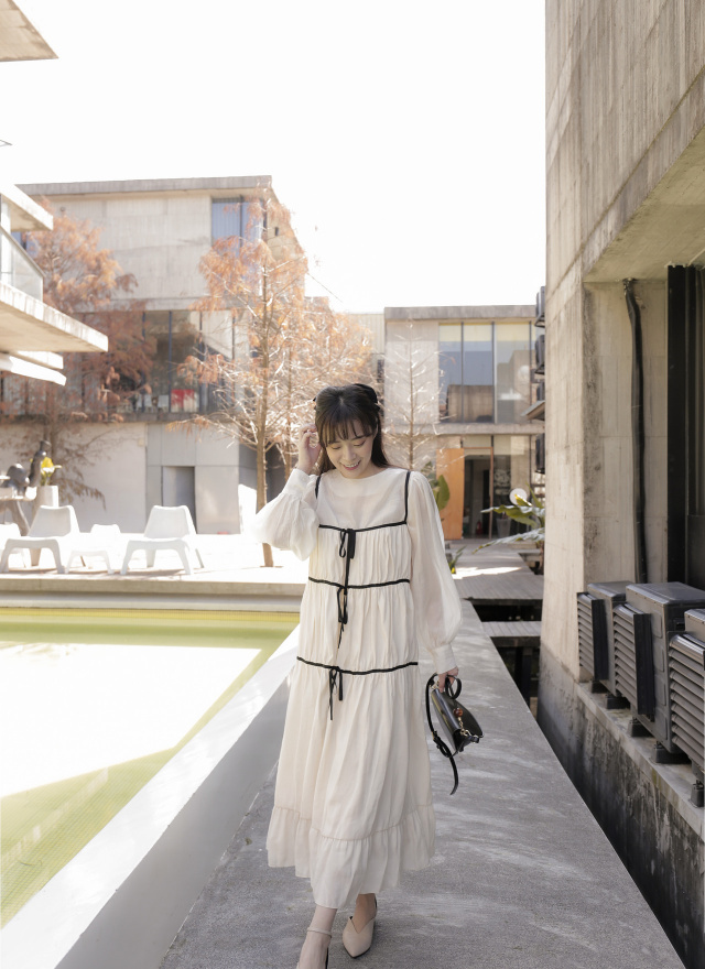 D1065綺莉蝶結造型罩衫(兩色)
