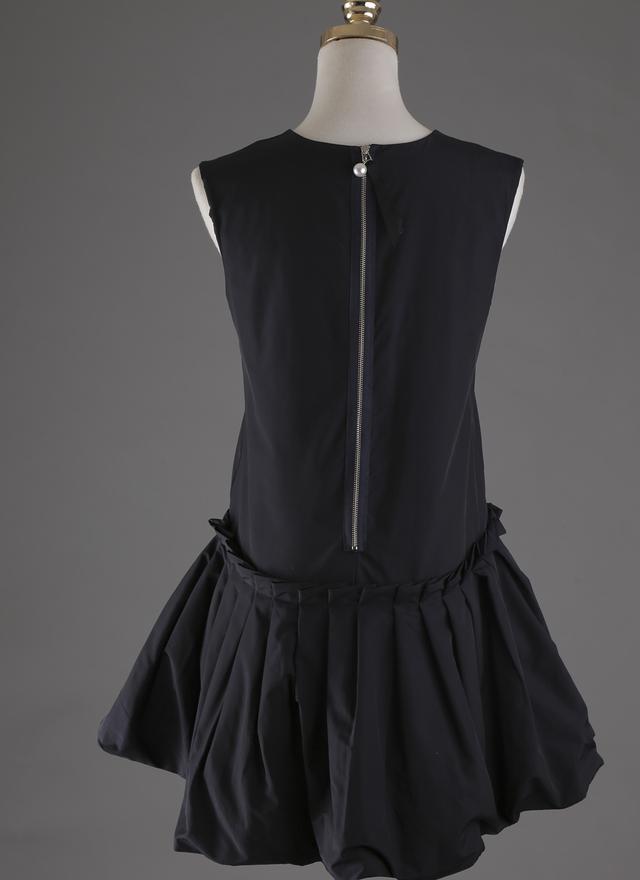 D0236 絲滑花擺打摺典雅洋裝