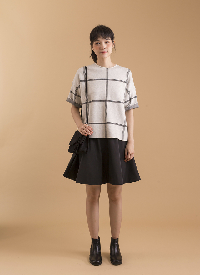 T0341 設計感格子寬袖毛料衫