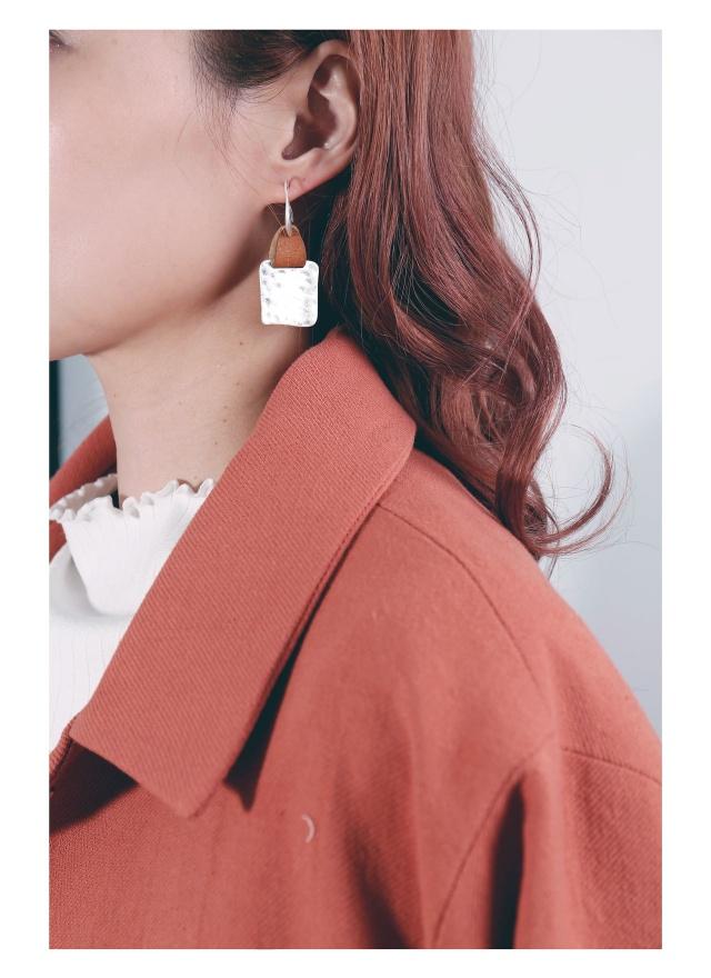 A0209 白銀方片耳鈎式耳環