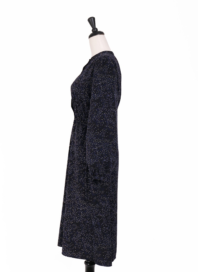 D0482低調滿版碎點排扣洋裝