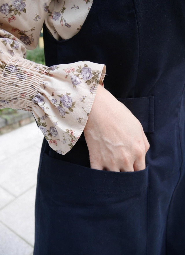 迷幻紫花小領縮袖襯衫