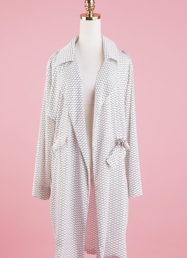 O0154 復古絲質玉點風衣外套