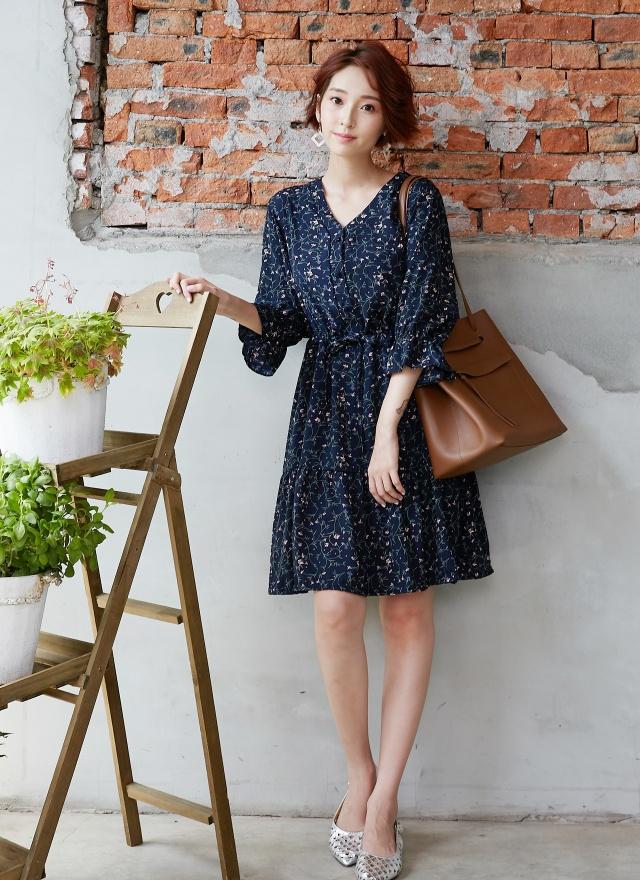 D0618 粉花燦爛V領洋裝