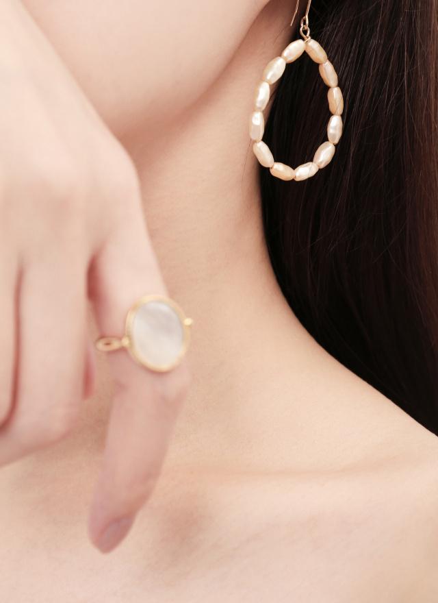 A0405蜜杏串珠耳環