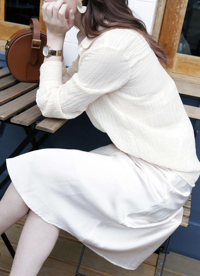 S0581 金屬感緞面滑膚裙