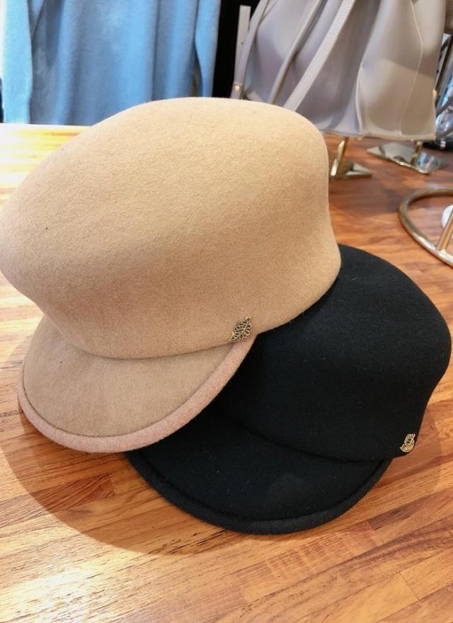 時尚質挺金葉帽