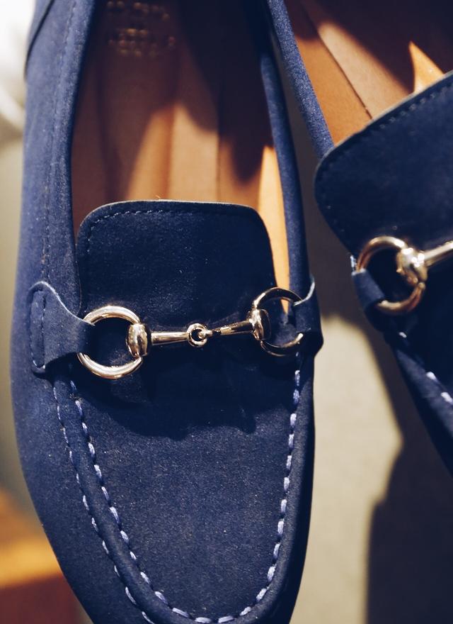 SH0050 皇室藍金鏈平底鞋
