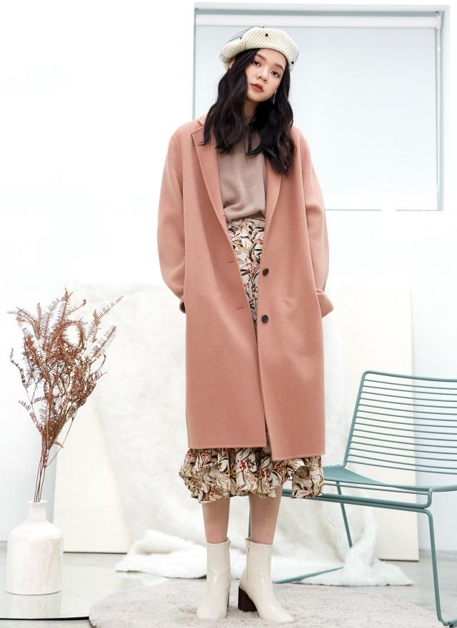 O0440 風尚莓粉羊毛手工大衣