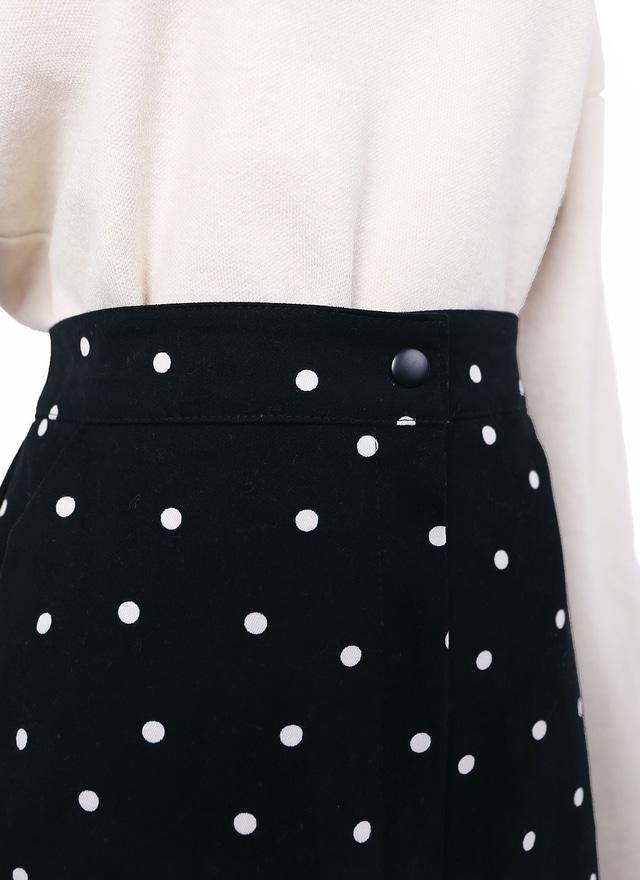 黑高雅前開衩點點窄裙