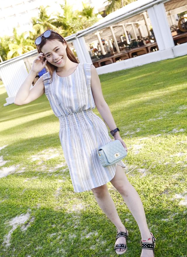 D0241 清爽水藍線條洋裝