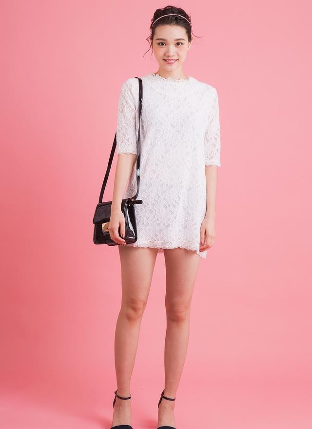 D0322 花領蕾絲洋裝