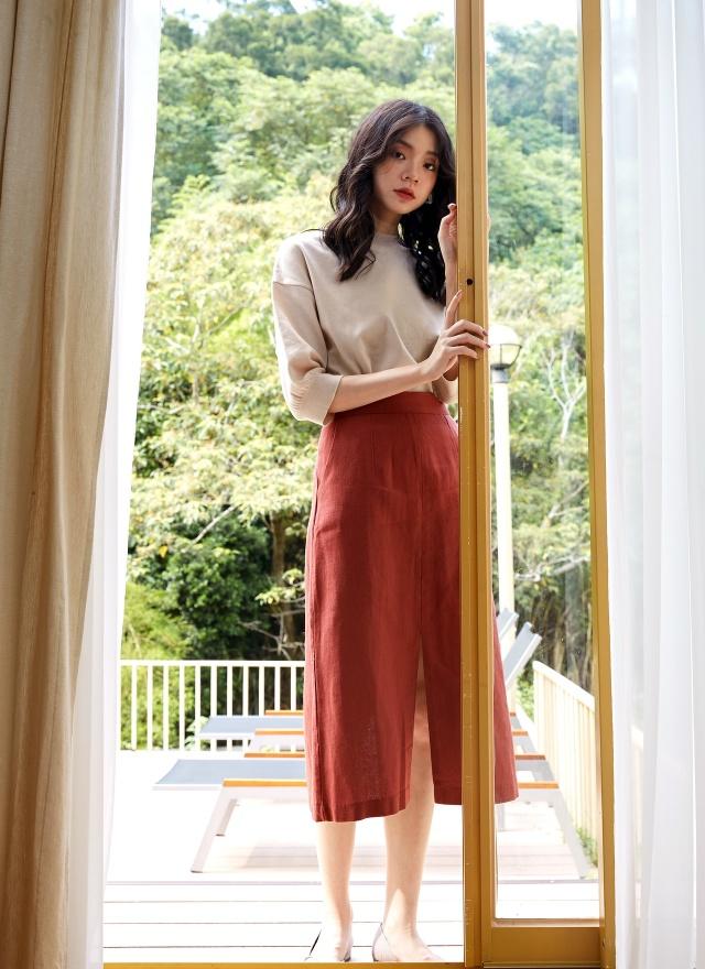 S0618 暖紅直身開岔裙(特惠)
