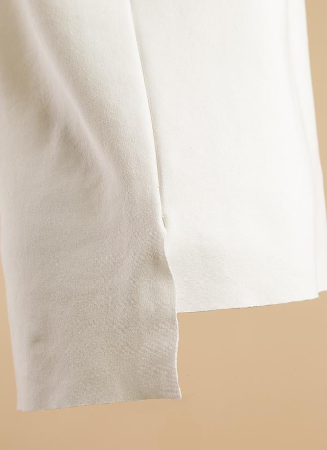 T0356 高端剪裁高領上衣