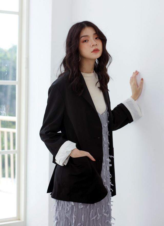 O0413 時尚女伶西裝外套