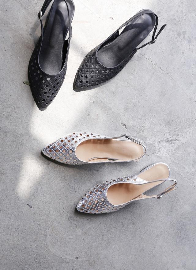 SH0133 圖形簍空尖頭鞋