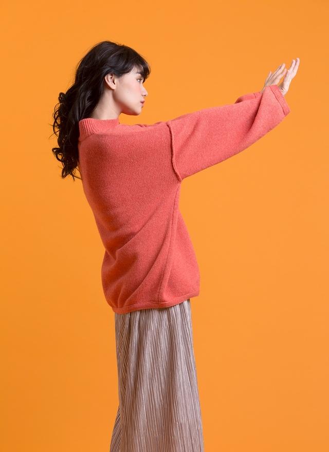 T0507 魅力粉橘中領毛衣
