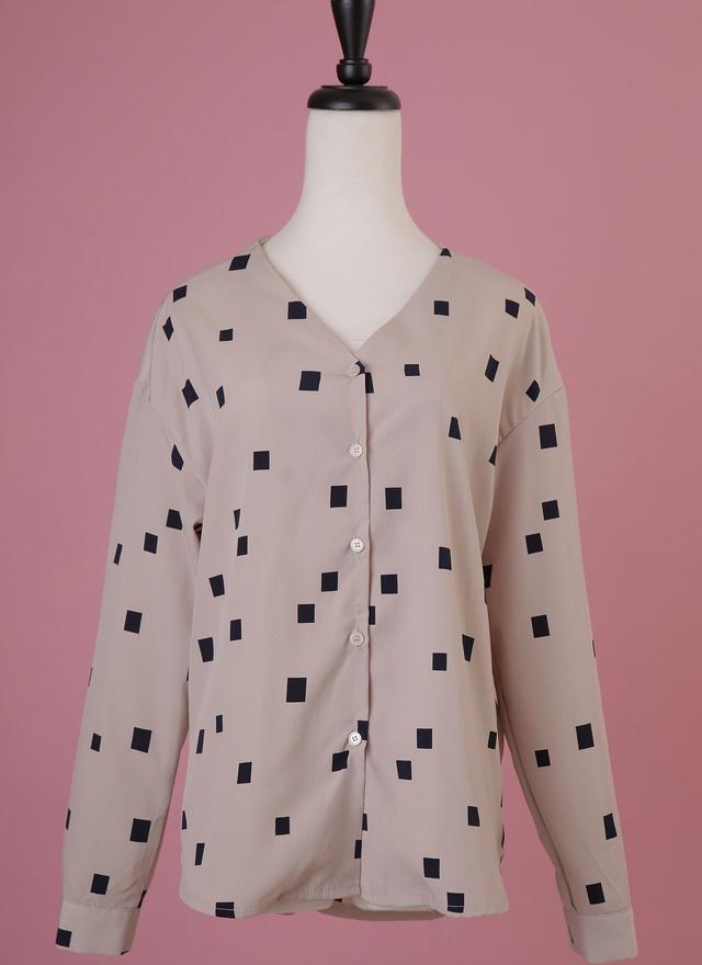 T0481 裸色方塊V字襯衫