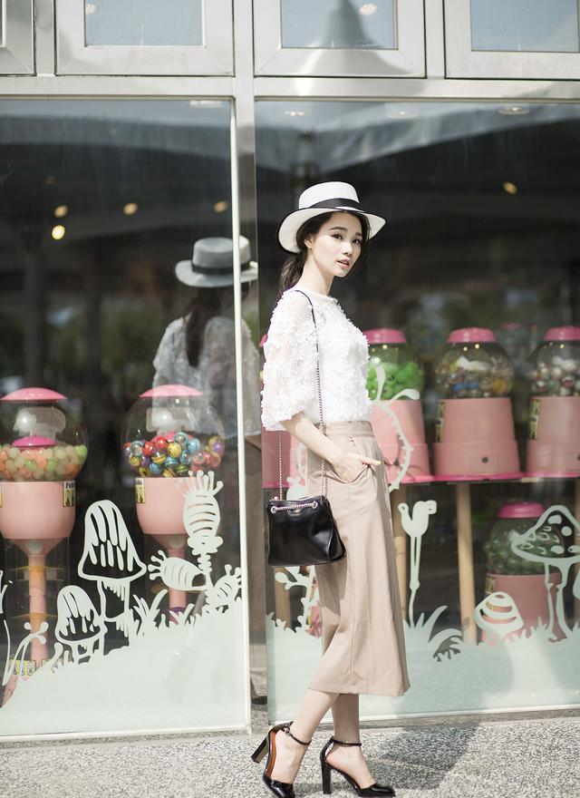 P0106 時尚設計寬管片裙褲