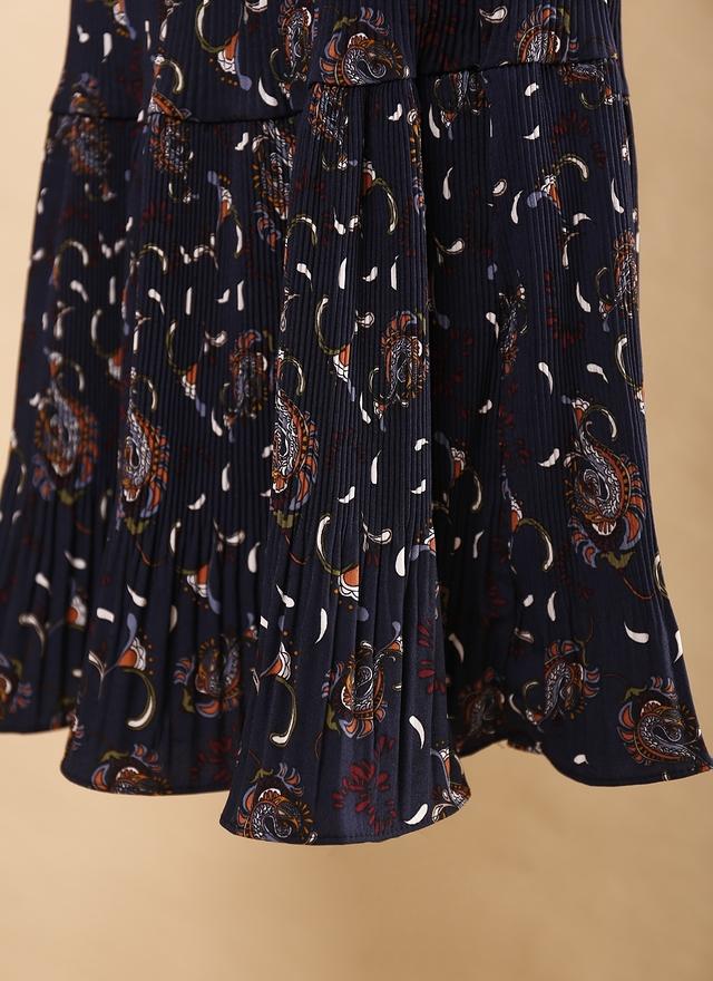 S0383 細褶圖紋層次深藍長裙